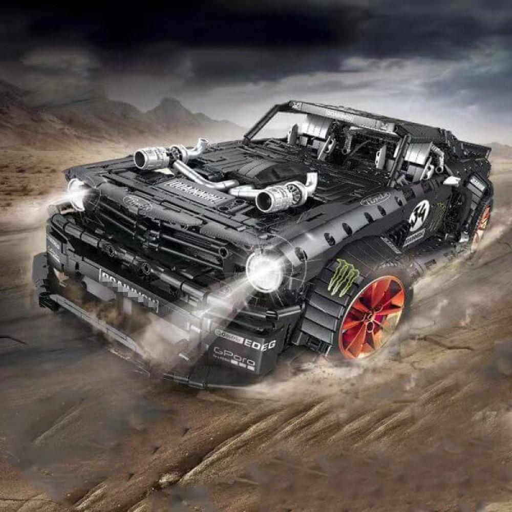 Спортивный автомобиль «Ford Mustang», конструктор Mould King на радиоуправлении