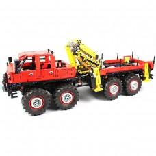 Лесовоз «Articulated Logging Truck 8x8», конструктор Mould King на радиоуправлении